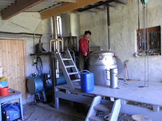 jacky-a-la-distillerie.jpg