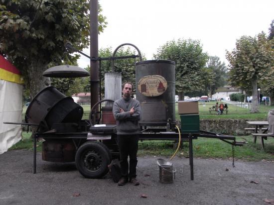 La distillation interdite de la fête des SIMPLES 2012